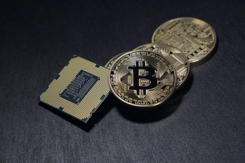 Les crypto-monnaies sont-elles un bon investissement ? Conseils utiles et risques